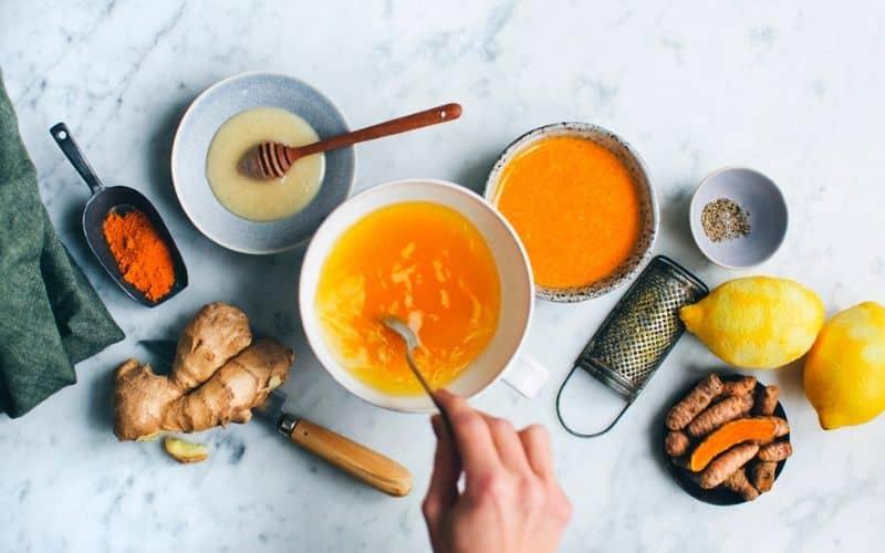 Bài thuốc nghệ mật ong trứng gà bác Hùng Y