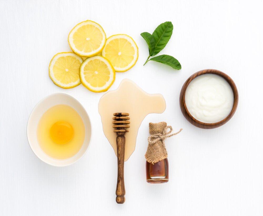 cách làm trắng da bằng mật ong và trứng gà