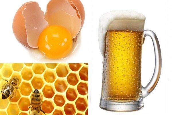 Tắm trắng bằng mật ong và trứng gà với muối bia