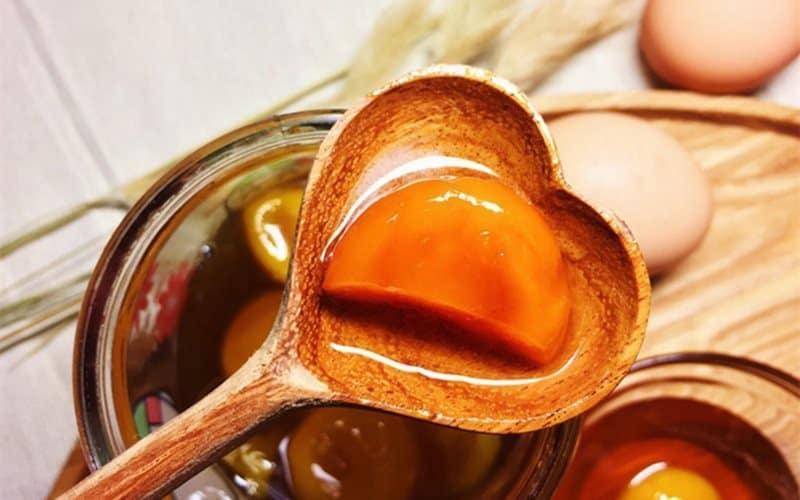 Trứng gà mật ong tam thất chữa đau dạ dày