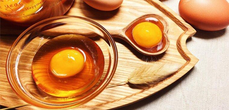 trứng gà đánh với mật ong có tác dụng gì